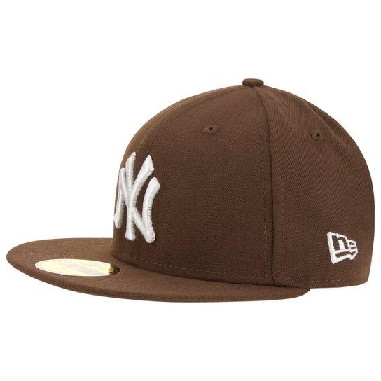 Boné New Era White on Brown New York Yankees - Marrom - Compre Agora ... 20fbacadbaa