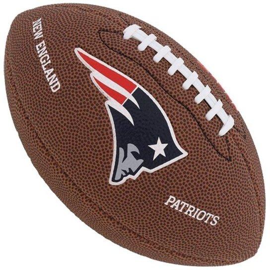 4e3fddcfd0 Bola de Futebol Americano Wilson NFL Team NEW ENGLAND PATRIOTS - Marrom  Escuro