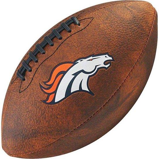 0b55aae75e Bola de Futebol Americano Wilson Throwback NFL Jr. Denver Broncos - Marrom  Escuro