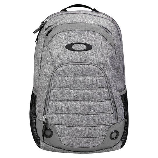Mochila Oakley Gearbox 26L - Compre Agora  0bf26755d50