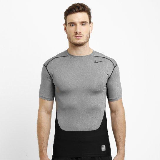 7a6b64bb0c5 Camisa de Compressão Nike Pro Combat Hypercool 3.0 - Compre  Agora . 51bf65723bf99