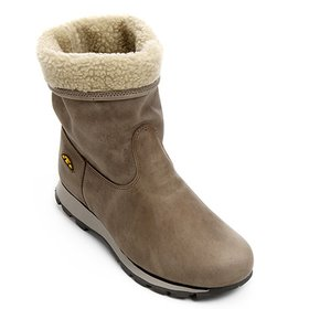 b136c0f15f Bota Ugg Illi Boots - Compre Agora