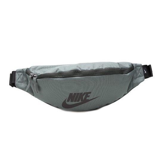 f822360ea Pochete Nike Heritage Hip Pack Unissex - Verde Militar e Preto ...