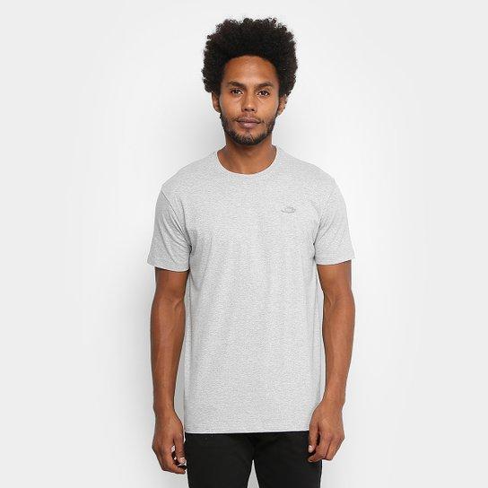 5dc1f13ef3 Camiseta Oakley Dry Masculina - Cinza e Branco - Compre Agora