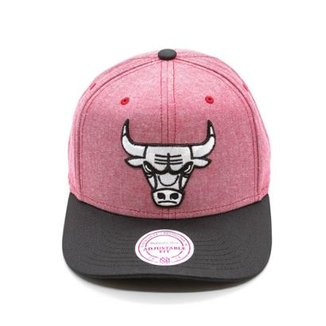 316b0ced506d8 Boné Mitchell   Ness Isles NBA Chicago Bulls Snapback