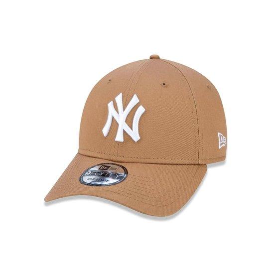6591ad3034bef Boné 940 New York Yankees MLB Aba Curva Snapback New Era - Cáqui ...