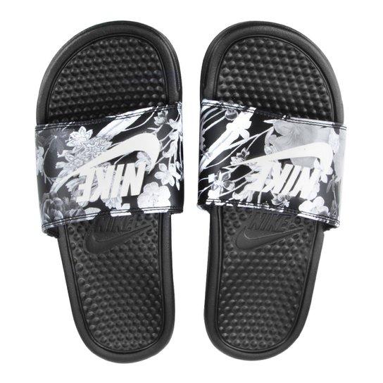 timeless design f7ec8 94ab2 Sandália Nike Benassi Jdi Print Feminina - Preto+Cinza