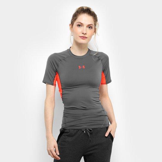 c1e27e0348111 Camiseta De Compressão Under Armour Hg Feminina - Cinza e Vermelho ...