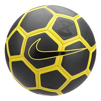 05b31aabf9ea8 Bola de Futebol Campo Nike Strike X