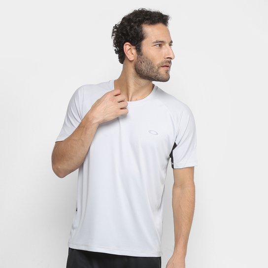 30699aee52 Camiseta Oakley Tech Knit Tee Masculina - Cinza Claro