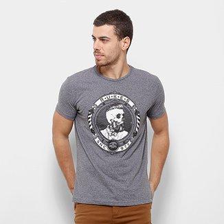 ce8a92667a Camisetas Masculinas e Femininas em Oferta