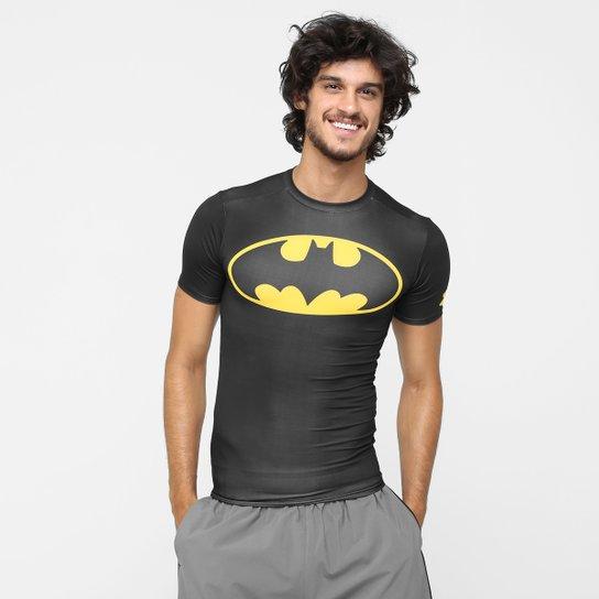 04498d6a52e Camiseta de Compressão Under Armour Batman Masculina - Compre Agora ...