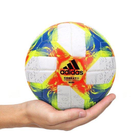 da9e2bb1c4ceb Mini Bola de Futebol Adidas Conext19 - Branco e Amarelo - Compre ...