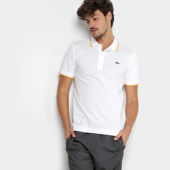 44dd68aa70f Camisa Polo Lacoste Frisos Masculina - Branco e Amarelo - Compre ...