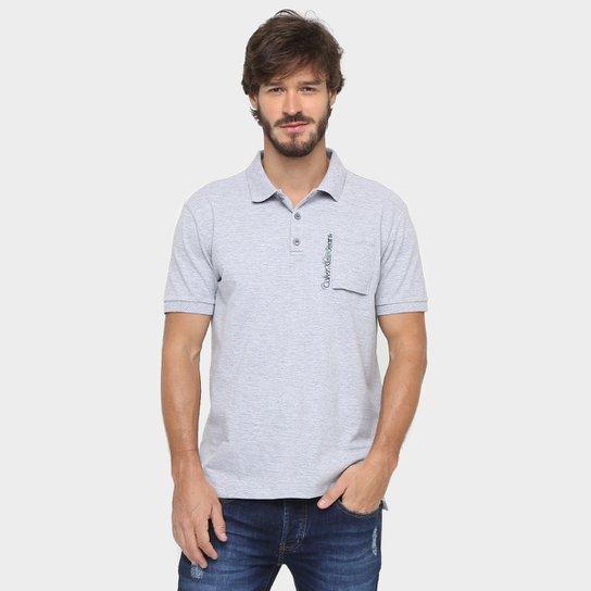 Camisa Polo Calvin Klein Jeans Piquet Bolso Estampa Relevo - Compre ... 5596c76c5760f