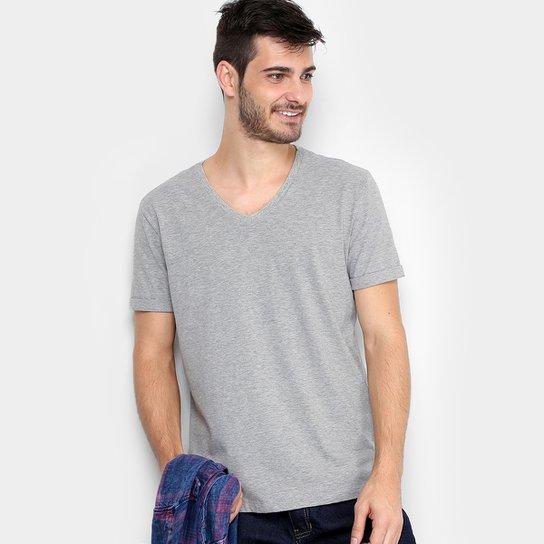 cc80be68fc Camiseta Calvin Klein Gola V Estampa Costas Masculina - Mescla ...
