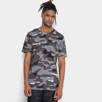 Camiseta Nike Camuflada Nsw Tee Camo Pack Masculina f6198005a8374