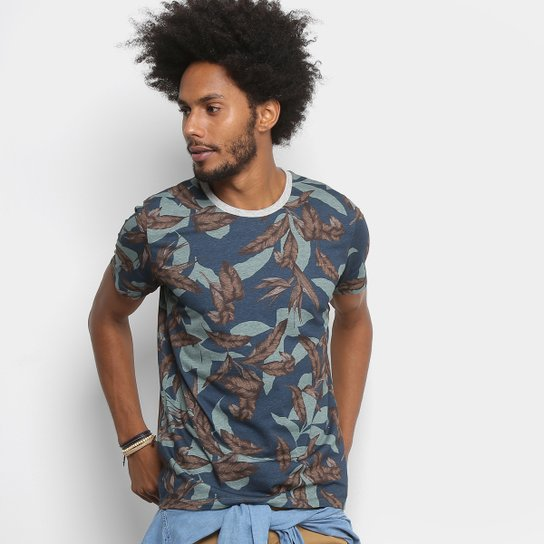 eb0fc1440 Camiseta Colcci Full Print Folhagens Masculina - Compre Agora | Netshoes