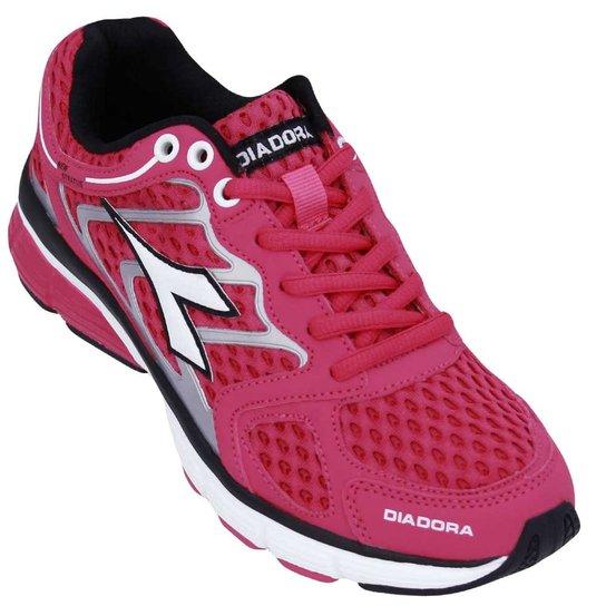Tênis Diadora New Stratus Feminino - Pink e Preto - Compre Agora ... 4d6e5fc4e72a4