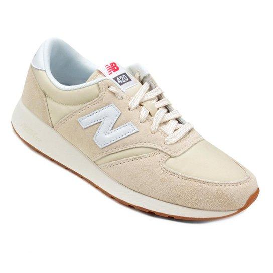 adfdcdd2877 Tênis Couro New Balance 420 Feminino - Bege e Branco - Compre Agora ...