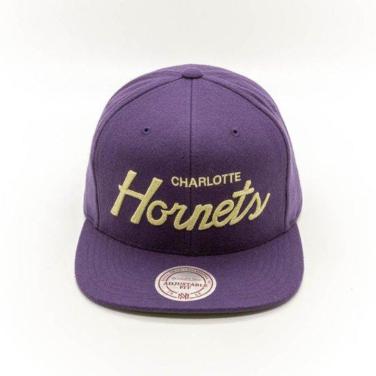 6465dc54923f0 Boné Mitchell   Ness Charlotte Hornets NBA Charlotte Hornets Snapback - Roxo