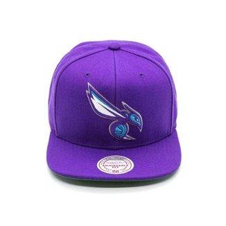 Boné Mitchell   Ness Lã Solid NBA Charlotte Hornets Snapback 6c436e11189
