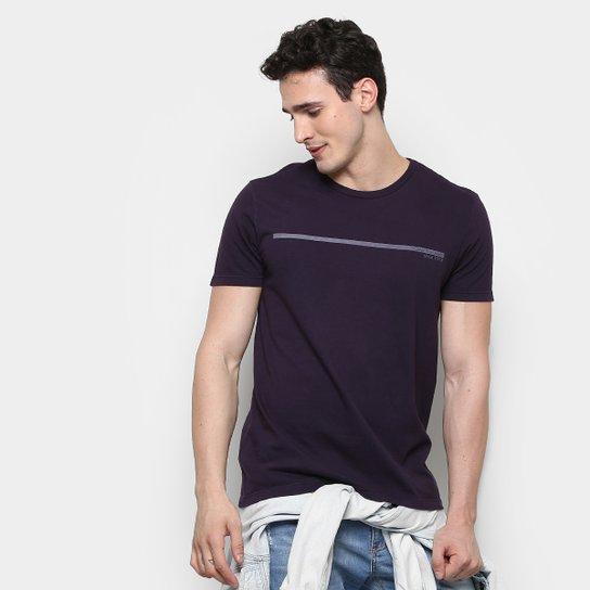 ... Netshoes 55cf2686bfba7f  Camiseta Calvin Klein Estampa Logo Palito  Masculina - Compre Agora . 7e7d38f367