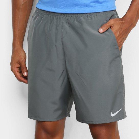 """Menor preço em Bermuda Nike Run 7"""" BF Masculina - Cinza e Prata"""