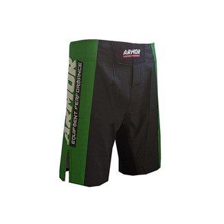 Bermuda Preto e Verde Lateral com abertura na lateral ajuste elástico nas pernas e bolso traseiro