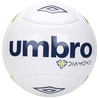Mostre o seu talento nas quadras com a Bola Umbro Diamond Futsal. Desenvolvida com materiais que oferecem durabilidade,...