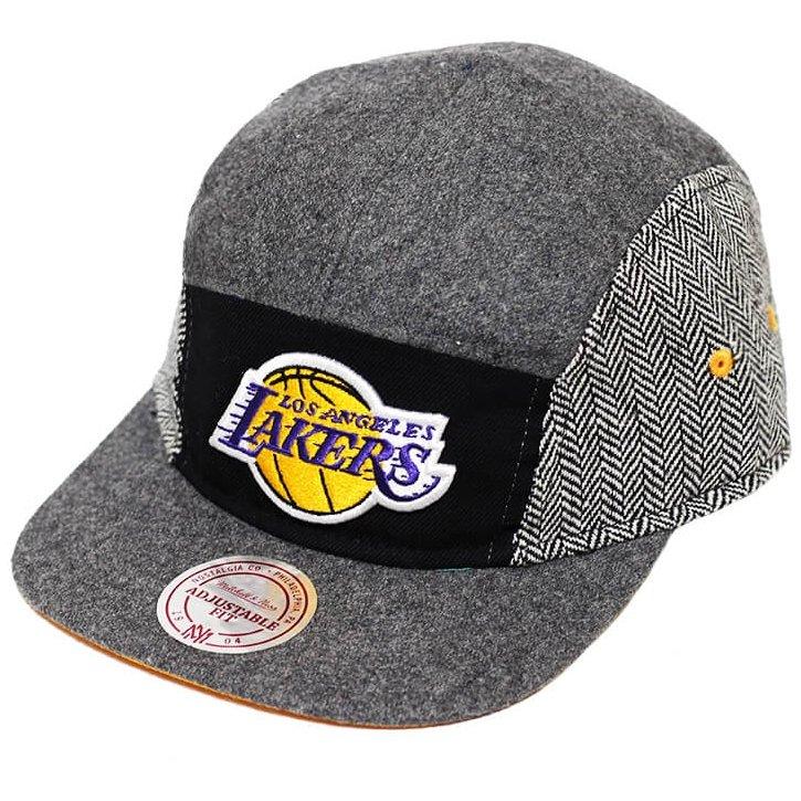 Boné Mitchell   Ness Aba Reta 5 Panel Nba Lakers G - Compre Agora ... 62941d193f4