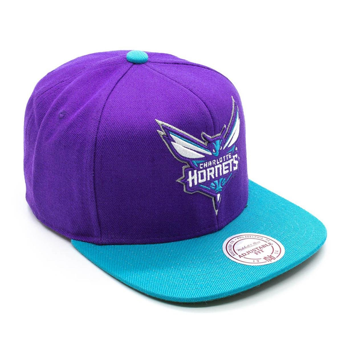... Boné Mitchell   Ness Xl Logo 2 Tone NBA Charlotte Hornets Aba Reta ... f653eab90be