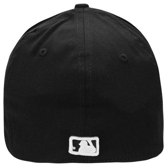 Boné New Era 3930 MLB New York Yankees - Preto+Branco