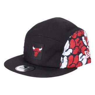 Boné New Era NBA Chicago Bulls Aba Reta Strapback Camper Street Life Sopa de Letra