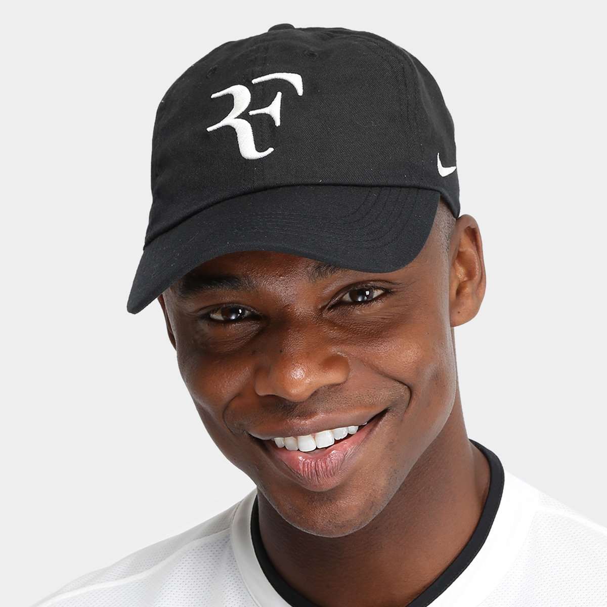 Boné Nike Aba Curva Aerobill Federer H86 - Preto e Branco - Compre ... 14b002cb831