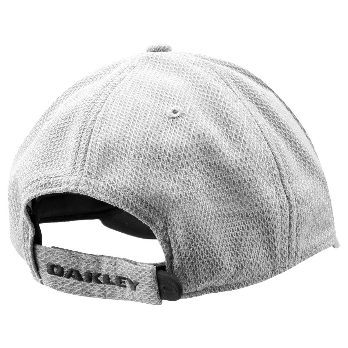 Boné Oakley Aba Curva Ellipse Masculino - Off White e Preto - Compre ... 9dc80416644cc