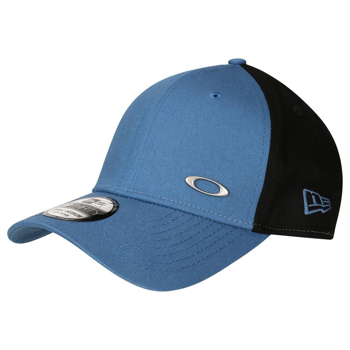 Boné Oakley Tinfoil - Azul Petróleo e Preto - Compre Agora  36bde4f2bee