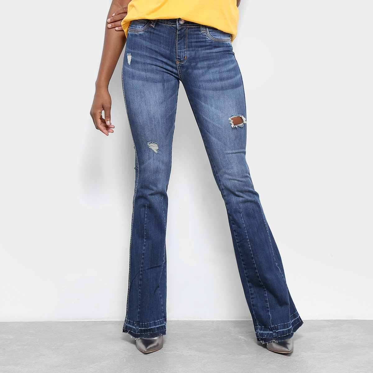 06558e5e7 Calça Jeans Flare Sawary Rasgos Estonada Cintura Média Feminina - Compre  Agora | Netshoes