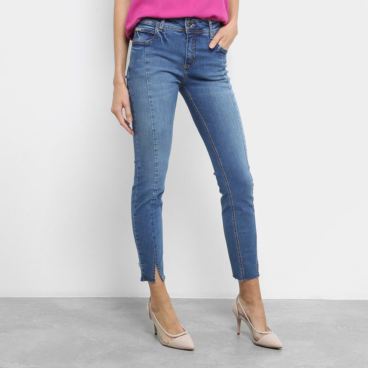 Calça Jeans Skinny Colcci Fátima Recortes Barra Fenda Desfiada Feminina -  Azul - Compre Agora  55ca665e865