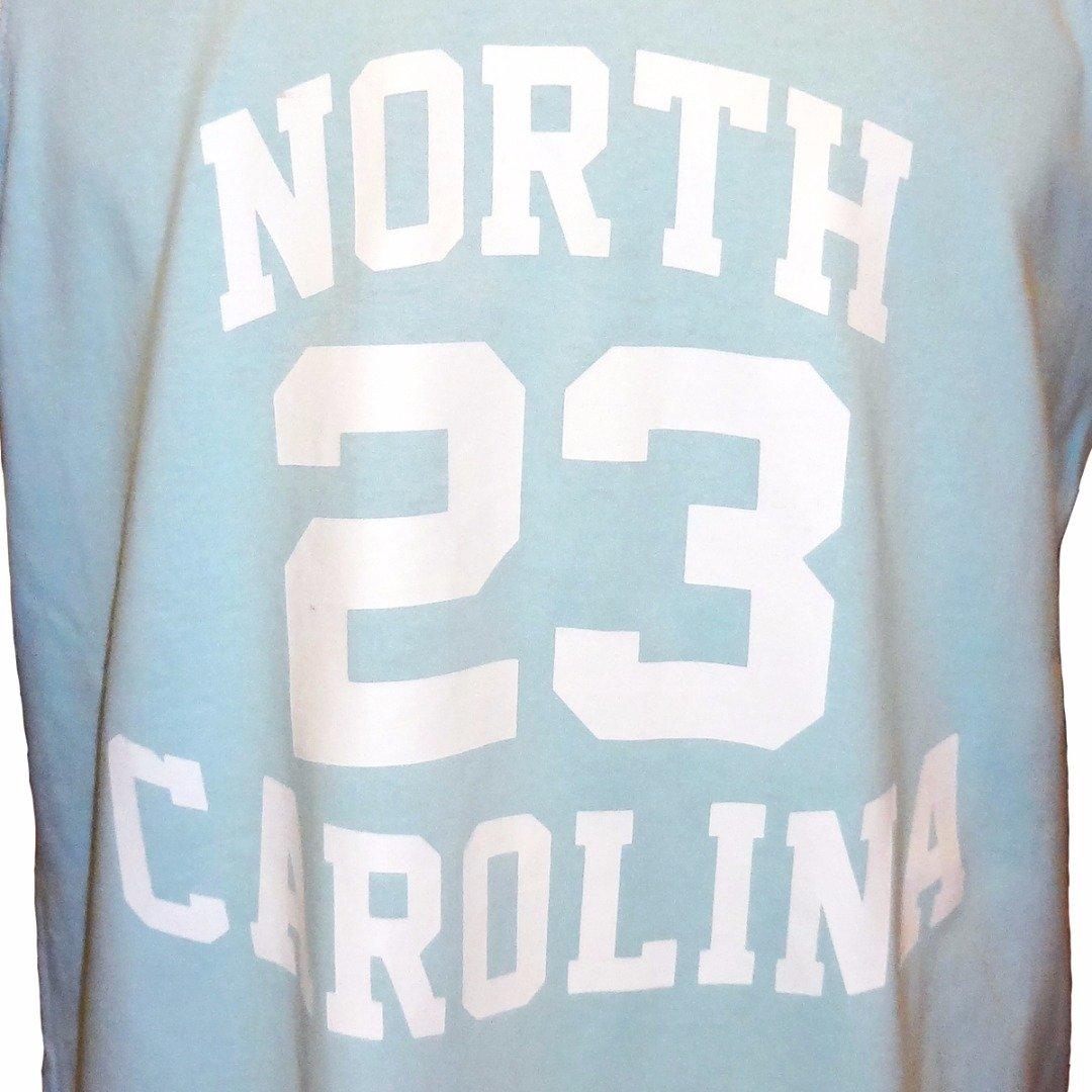 Camisa Liga Retrô North Carolina - Coleção Cidade Americanas ... 5b004b74673ba