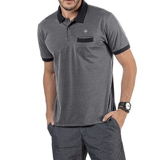 Camisa Polo em Retilínea Masculina com Bolso e Aplique Preta