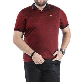Camisa Polo em Retilínea Masculina Plus com Estampa e Aplique Vermelho Escuro
