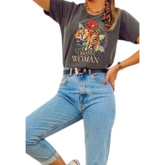 Camiseta Aqui Tem Roupa! Mulher Corajosa! Feminina