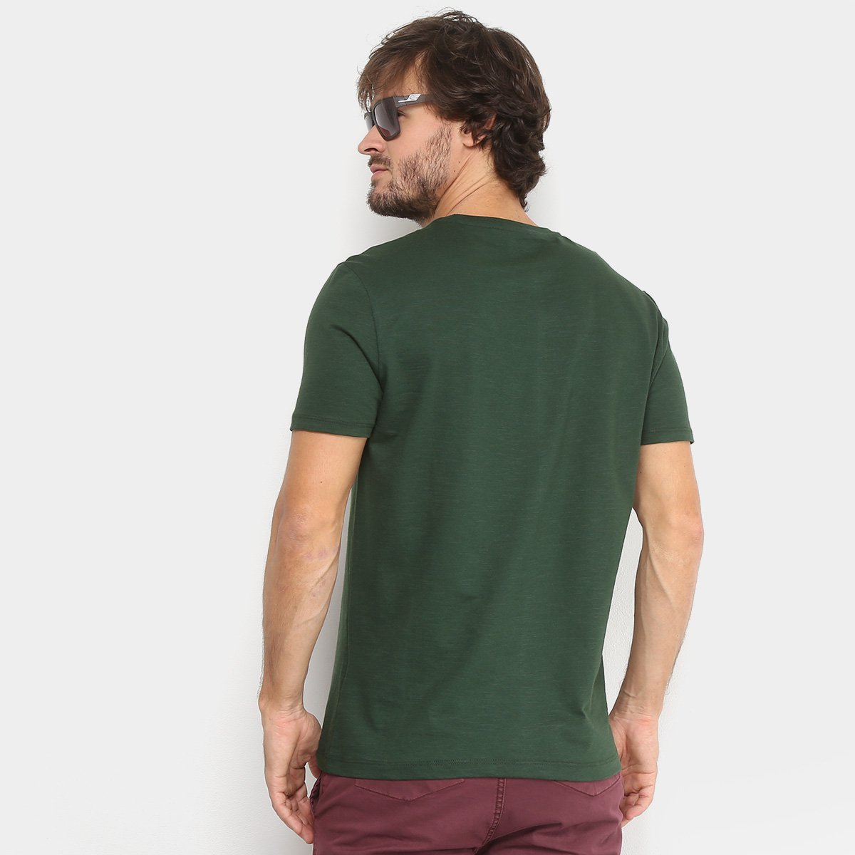 Camiseta Calvin Klein Básica Masculina  Camiseta Calvin Klein Básica  Masculina ... b470127d45