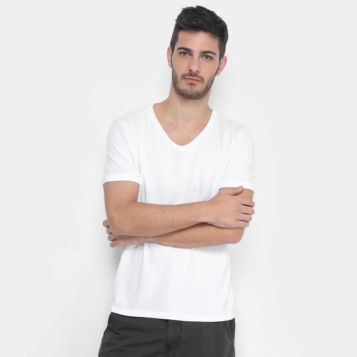 1bf5fec7f36c5 Camiseta Calvin Klein Gola V Estampa Costas Masculina - Branco - Compre  Agora