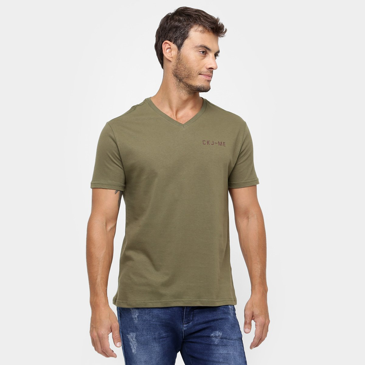 5b758ee98321f Camiseta Calvin Klein Gola V Estampada - Compre Agora