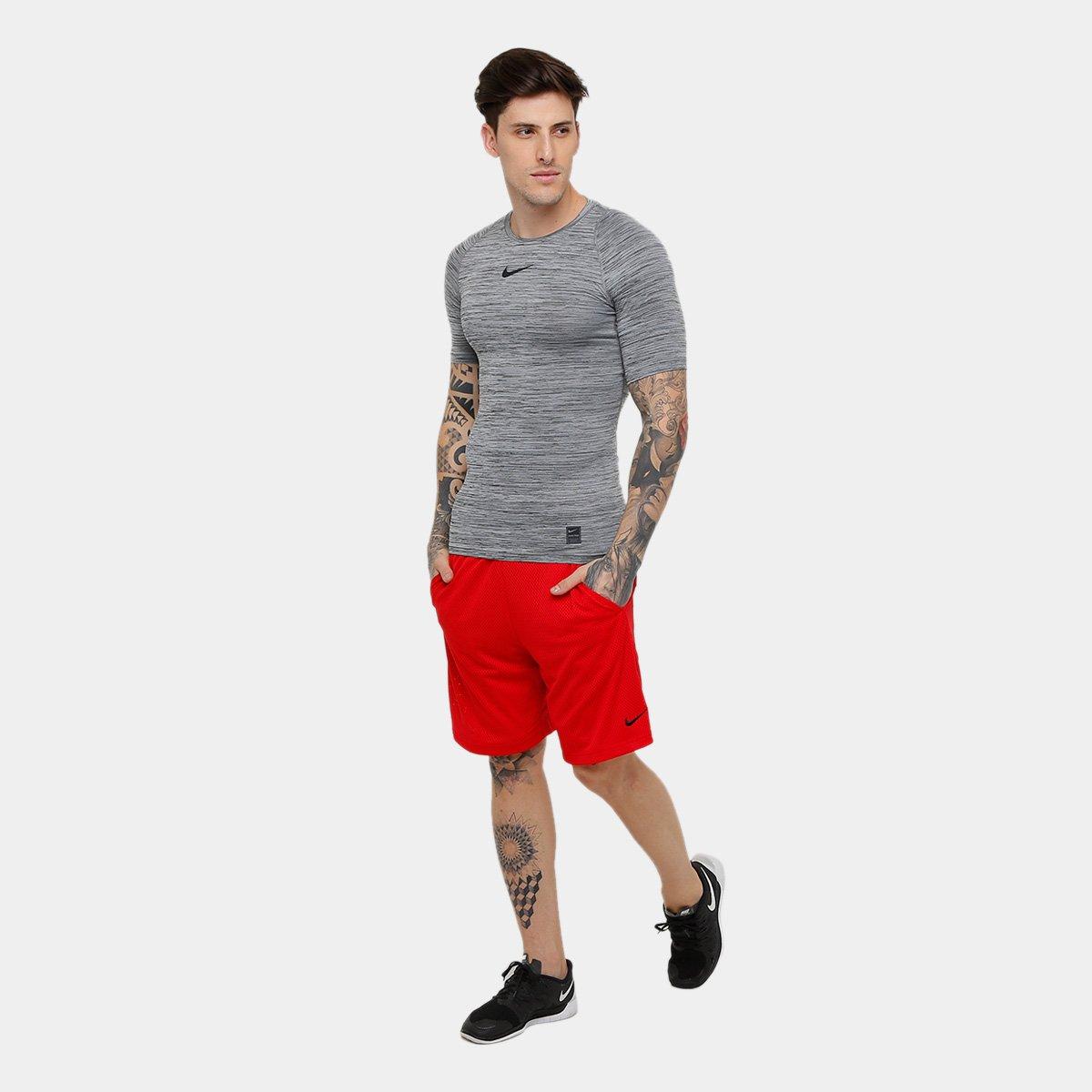 2e3144ca59 Camiseta Compressão Nike Pro Masculina - Preto e Cinza - Compre ...
