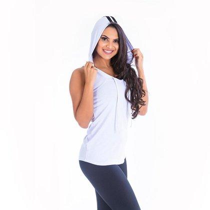 Camiseta Feminina Capuz Click