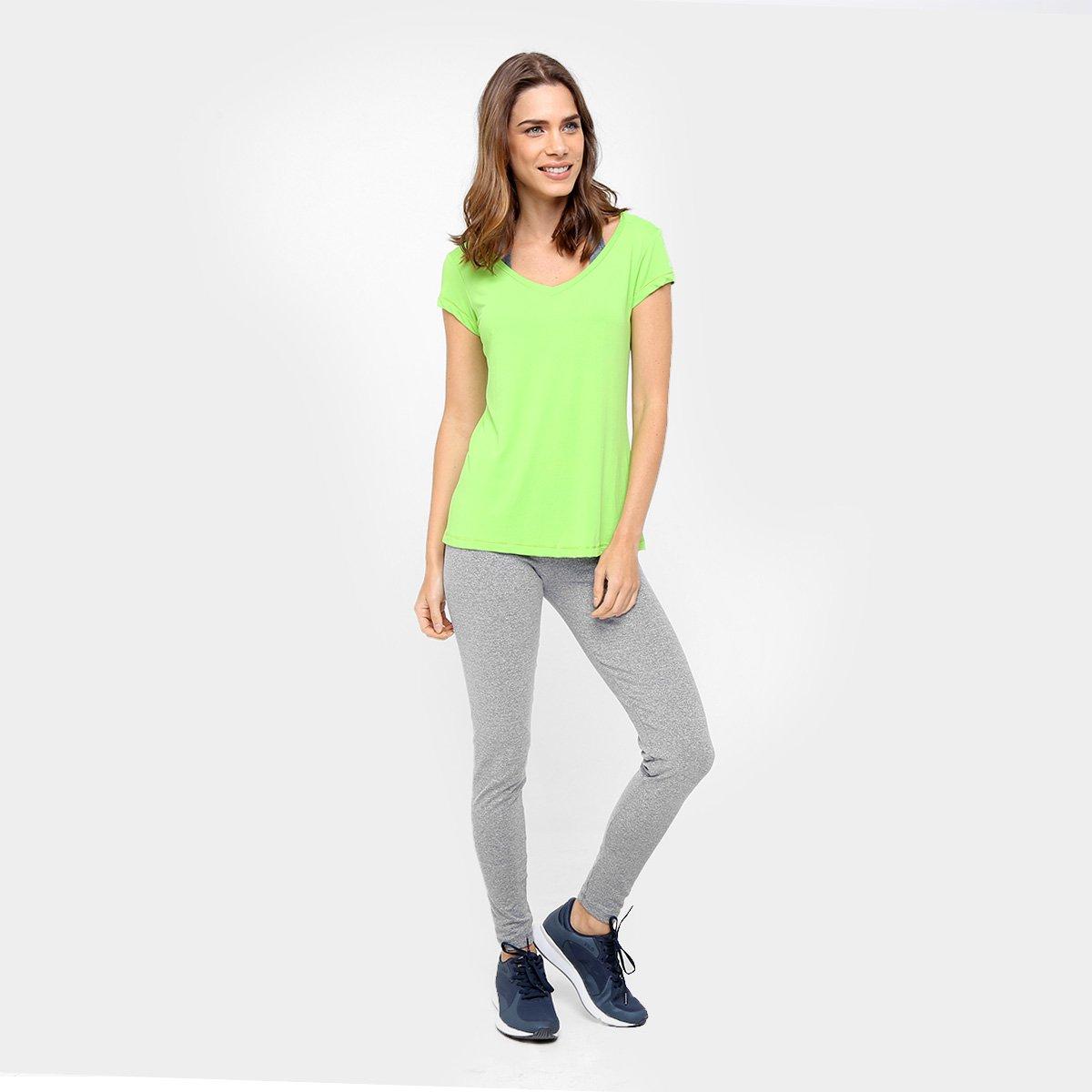 b86ae5c7e4 Camiseta Fila Bio Feminina - Verde claro - Compre Agora