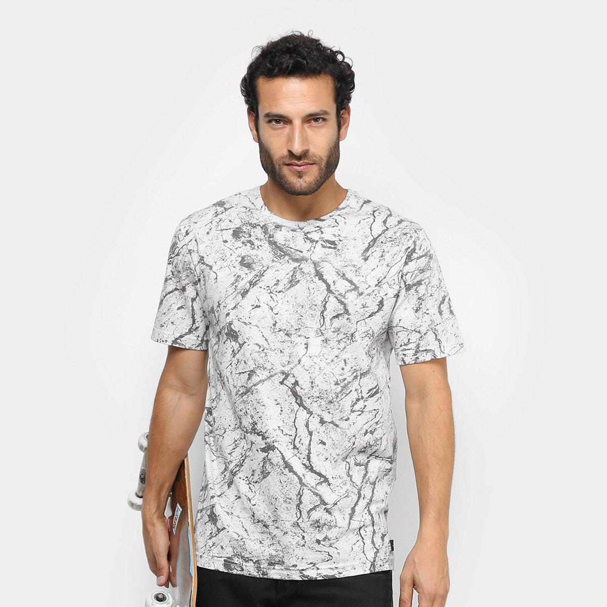 Camiseta Globe Full Print Masculina - Off White - Compre Agora ... b339ec39cd3